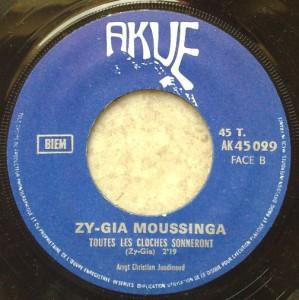 Zy-Gia Moussinga Esodisodi / Toutes les cloches sonneront