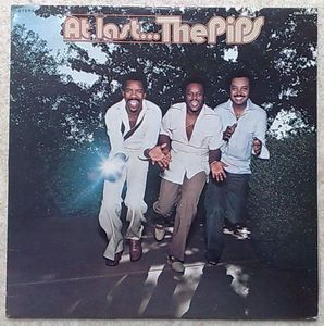 THE PIPS - At last - LP